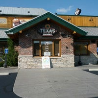 Photo taken at Texas Roadhouse by Troy V. on 10/4/2012
