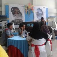 Photo taken at Chevrolet Sandjungan by Sandra W. on 4/13/2013