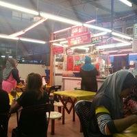 Photo taken at Medan Selera Teratai by Shazwan Z. on 11/9/2013