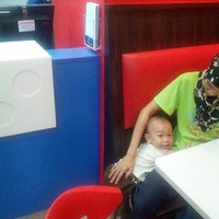 Photo taken at Domino's Pizza by zaid y. on 9/17/2012