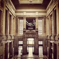 Photo taken at Stazione Milano Centrale by vesprum .. on 6/1/2013