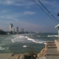 Photo taken at Hua Hin Sea view paradise Condo by Cục N. on 12/27/2013