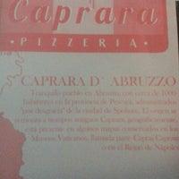 Foto tomada en Caprara Pizzeria por Vanessa C. el 11/9/2012