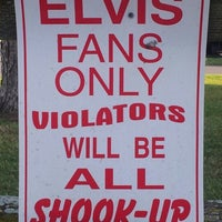 Photo taken at Elvis Presley's Heartbreak Hotel by Marco v. on 10/5/2012