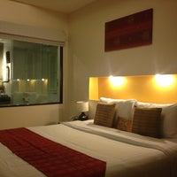 Photo taken at Maninarakorn Hotel by กุ้ง อ. on 8/14/2013
