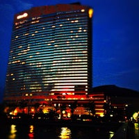 Photo taken at Hilton Fukuoka Sea Hawk by Miccute N. on 10/13/2012