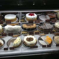 Photo taken at Cheesecake Factory by Charlie W. on 1/11/2013