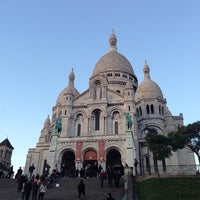 Photo taken at Basilique du Sacré-Cœur de Montmartre by Roman A. on 11/19/2013