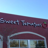 Photo taken at Sweet Tomatoes by Kenia C. on 2/2/2013