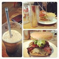 Photo taken at Gourmet Burger Kitchen by Aron I. on 9/20/2012