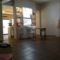 Photo taken at Rumah Cantik Citra by herlinda o. on 11/19/2012
