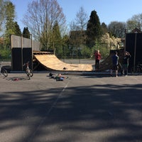 Photo taken at Skatepark Eeklo by Ming Hao L. on 4/18/2015