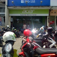 Photo taken at Acer Customer Service Center (ACSC) by Tetty S. on 10/1/2013