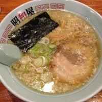 Photo taken at らーめん昭和屋 扇町店 by Ken I. on 4/27/2014