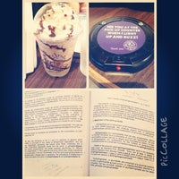 Photo taken at The Coffee Bean & Tea Leaf by Ayrton G. on 8/11/2013