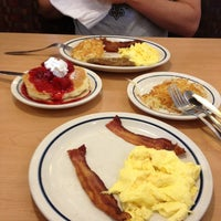 Photo taken at IHOP by Yashica on 9/30/2012