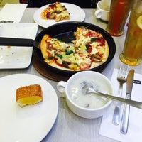 Photo taken at Pizza Hut by Nadya A. on 4/8/2016