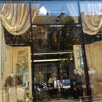 Das Foto wurde bei Dolce&Gabbana von ABBELLIRE am 9/28/2012 aufgenommen