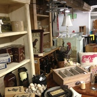 Photo taken at Camas Antiques by Justen M. on 9/7/2013