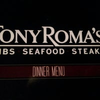 Photo taken at Tony Roma's: Ribs, Seafood & Steaks by Maika R. on 8/24/2013