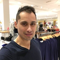Photo taken at Forever 21 by Josh v. on 3/20/2016