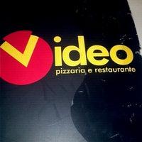 Photo taken at Vídeo Pizzaria e Restaurante by Juliana M. on 12/8/2012