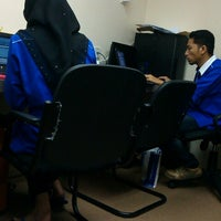 Photo taken at EBI Resources Sdn Bhd by Buu K. on 9/18/2012
