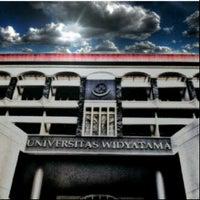Photo taken at Universitas Widyatama by adie d. on 5/16/2013