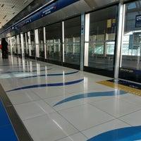 Photo taken at Emirates Metro Station محطة مترو طيران الإمارات by Orysya on 10/6/2016
