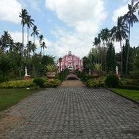 Photo taken at Villa Escudero Plantations And Resort by Bing C. on 3/2/2013