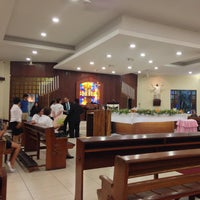 Photo taken at Iglesia La Resurrección by Elmer T. on 10/5/2013