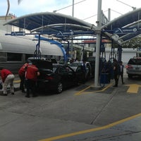 Photo taken at Rapidito Car wash by Pathy M. on 7/25/2013