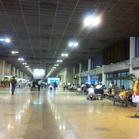 Photo taken at Don Mueang International Airport (DMK) by Souththailand T. on 6/20/2013