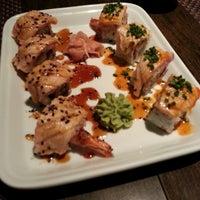 Foto tirada no(a) Carcavelos Sushi por Miguel S. em 7/20/2013