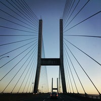 Photo taken at Queensborough Bridge by Jee S. on 11/24/2014