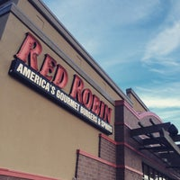 Photo taken at Red Robin Gourmet Burgers by Mike S. on 12/27/2014