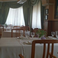 Photo taken at Restaurante El Cruce by Déborah Z. on 6/12/2015