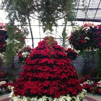 Photo taken at Niagara Parks Floral Showhouse by Liz Z. on 12/24/2012