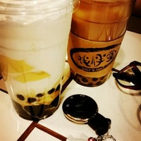 Photo taken at Half & Half Tea House 伴伴堂 by Joey C. on 11/30/2014
