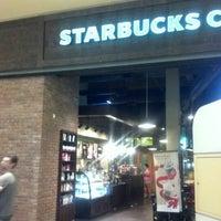 Photo taken at Starbucks by Jorge O. on 12/20/2012