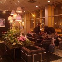 Photo taken at Essex Inn by Jorrit P. on 11/10/2012