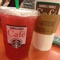 Photo taken at Starbucks by Aylinalinaa on 9/7/2013