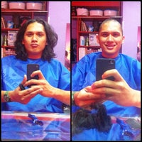 Photo taken at Artista Salon by Ceejay d. on 1/7/2013