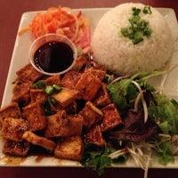 Photo taken at Dua Vietnamese Noodle Soup by Wendy D. on 3/27/2013