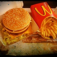 Photo taken at McDonald's by Franciele R. on 10/13/2012