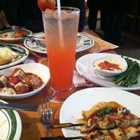 Photo taken at Olive Garden by Fern W. on 5/2/2013