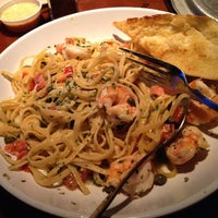 Photo taken at Bubba Gump Shrimp Co by The H. on 4/8/2014