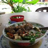 Photo taken at Kedai Sup Pak Dollah by Roslan S I. on 11/8/2012