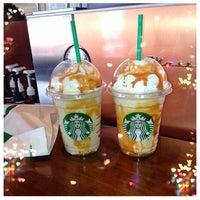 Photo taken at Starbucks by Yasemin Ö. on 3/26/2013
