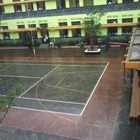 Photo taken at SMP Negeri 1 Malang by Wizuray V. on 1/23/2013